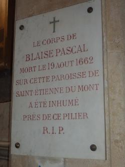 Blaise Pascal var skeptisk til Descartes' teorier. Selv fant han opp regnemaskinen som han sendte som prøve til Dronning Kristina av Sverige