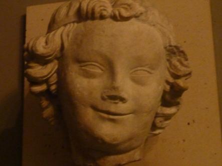 i Musée Cluny også i Latinerkvarteret. En detalj på veggen.