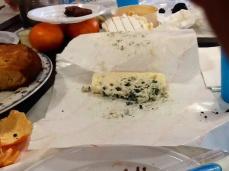 Noen elever fikk smake Époisses av læreren